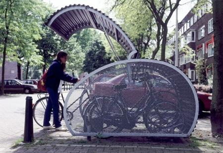 クリエイティブな自転車置き場15選