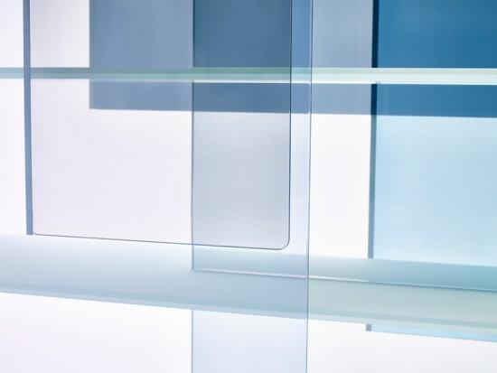 色彩が重なり合うキャビネット「layers」