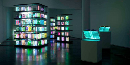 LEDで光る本