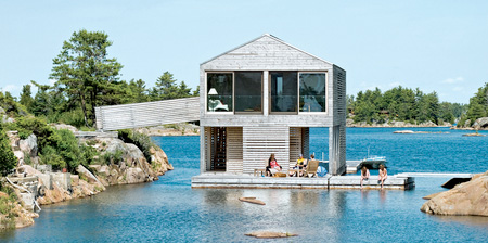水に浮かぶ家