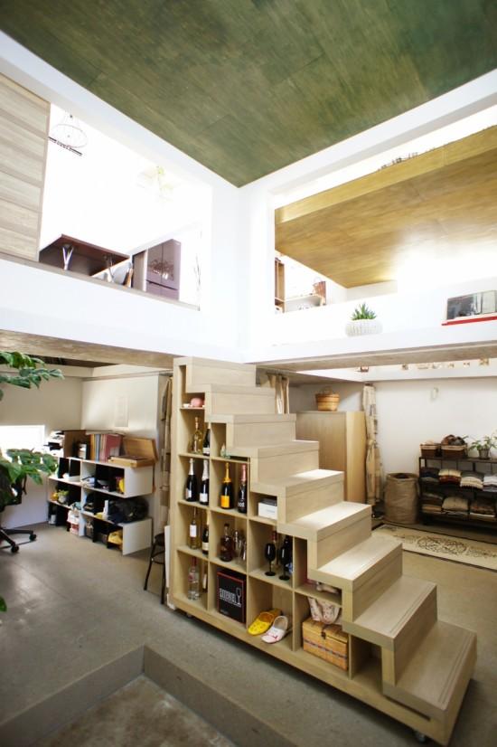 夫婦のアトリエを兼ねた、東京の都心の住宅街の中に建つ住宅「HouseT」