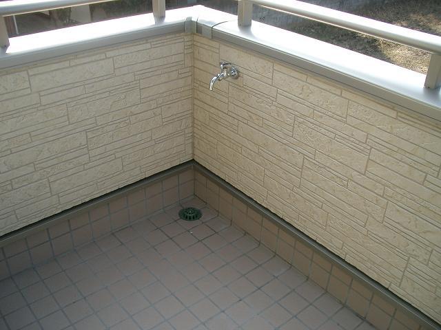 バルコニー 水栓
