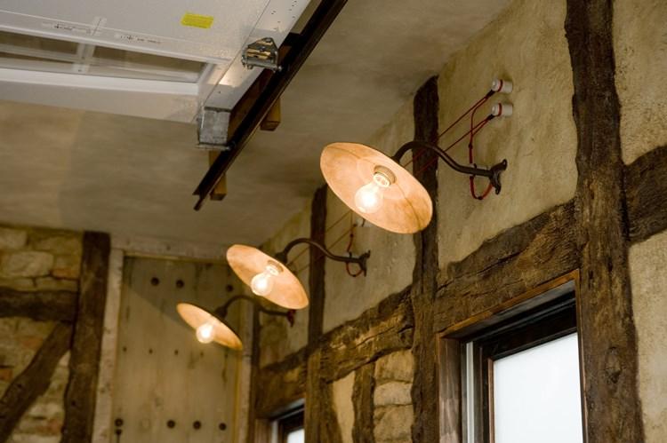 ビルトインガレージ内の照明