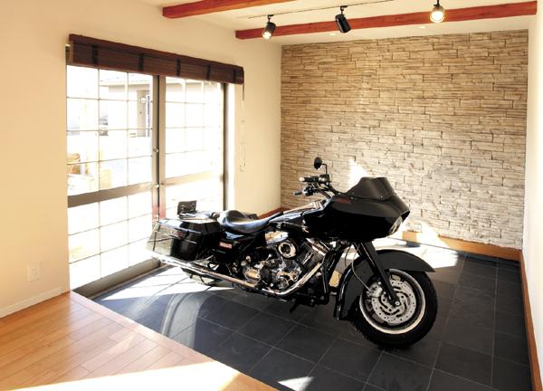 ビルトインガレージ バイク