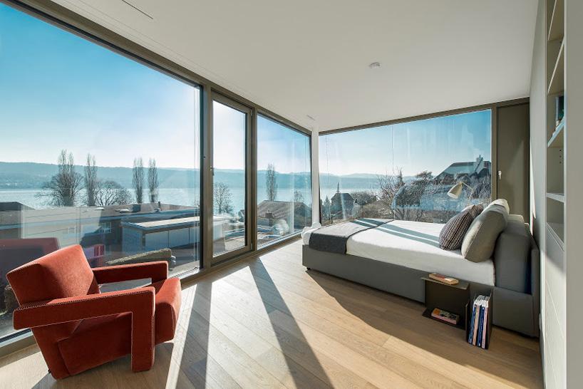 flexhouse first floor master bedroom overlooks lake zurich 視点:14 設計: evolution design