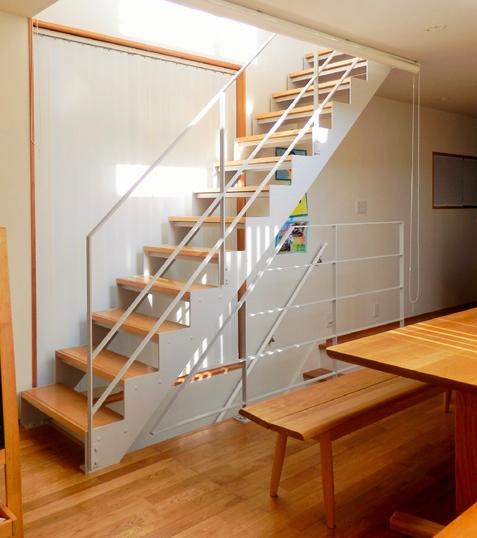 リビング階段のロールカーテン3